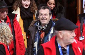 """Jean-Luc Reichmann, épuisé, rassure ses fans après avoir été """"retenu en otage"""""""
