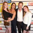 """Brooke Shields, Chris Henchy et leurs filles Rowan et Grier assistent à la projection du film """"Impractical Jokers: The Movie"""" à New York, le 18 février 2020."""