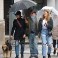 Exclusif - Steven Spielberg avec sa femme Kate Capshaw et leur fille Destry Allyn, promènent leur chien à New York, le 19 mai 2018.