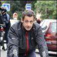 Promenade à vélo pour Nicolas Sarkozy, pendant les vacances de Pâques 2009