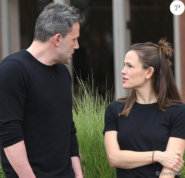 Jennifer Garner et Ben Affleck accompagnent leur fils Samuel à une fête d'anniversaire dans le quartier de Brentwood à Los Angeles, le 27 février 2020