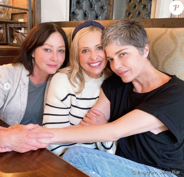 Shannon Doherty, Sarah Michelle Gellar et Selma Blair déjeunent ensemble. Mars 2020.