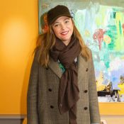Sandrine Quétier : Stylée en casquette et baskets pour la Journée de la femme