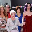 Katy Perry et sa grand-mère, le 26 juin 2012 à Hollywood.