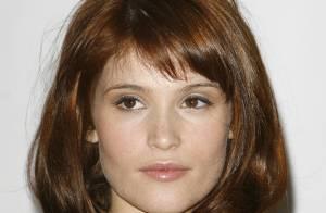 Gemma Arterton : la James Bond Girl rembourse toujours son prêt étudiant...