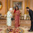 La reine Elizabeth II d'Angleterre en audience avec la haut-commissionnaire du Sri Lanka Saroja Sirisena au palais de Buckingham à Londres le 10 mars 2020