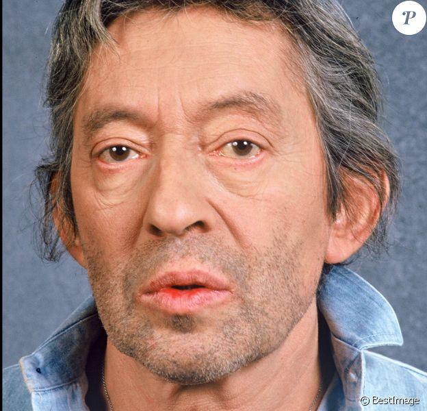 """Archives - Serge Gainsbourg dans les coulisses de l'émission """"Farandole 15"""". Le 18 janvier 1988."""