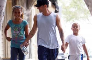 Ryan Phillippe a retrouvé le sourire : il s'est fait de nouveaux amis... de 20 ans de moins que lui !