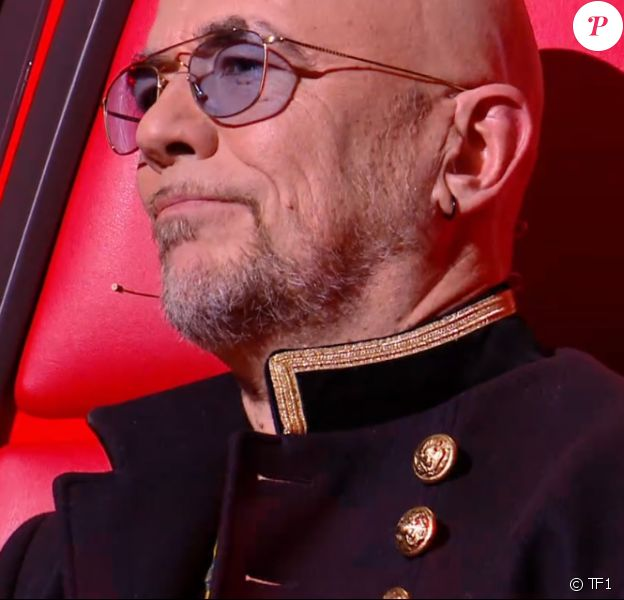 """Pascal Obispo lors de l'épreuve des K.O dans """"The Voice 2020"""". Émission du samedi 25 avril 2020, TF1"""