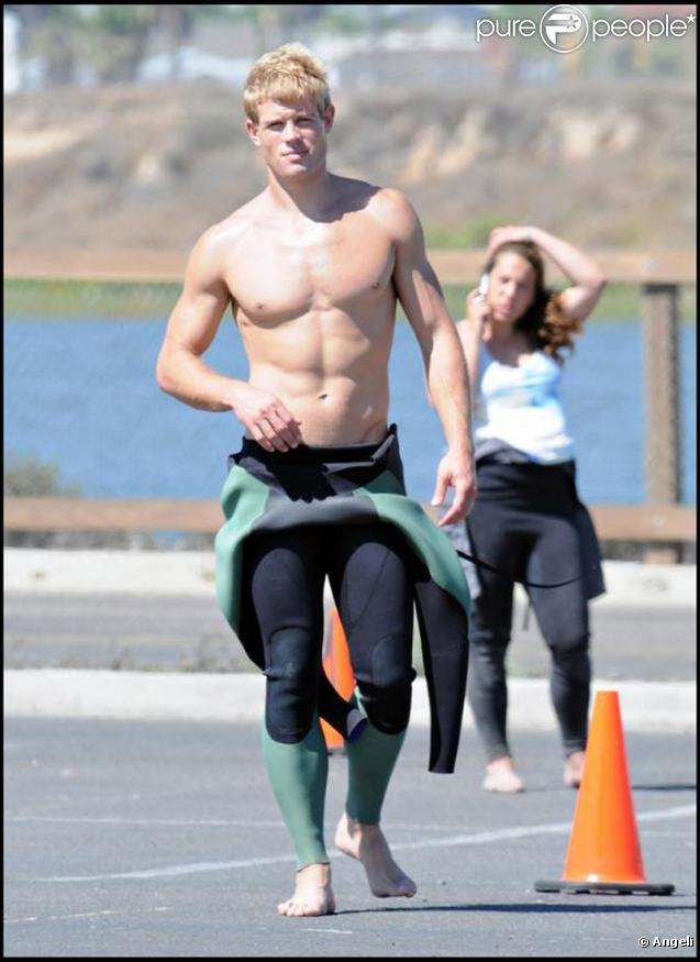 Le sexy Trevor Donovan à Marina Del Ray, en Californie, le 24 août 2009. Il a récemment rejoint le casting de 90210.