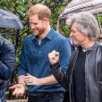 Le prince Harry, duc de Sussex, visite les studios d'Abbey Road pour rencontrer Jon Bon Jovi et des membres de l'Invictus Games Choir, qui enregistrent un single spécial au profit de l'Invictus Games Foundation, à Londres, Royaume Uni, le 28 février 2020.