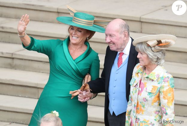 Sarah Ferguson, duchesse d'York, George et Nicola Brooksbank - Sorties après la cérémonie de mariage de la princesse Eugenie d'York et Jack Brooksbank en la chapelle Saint-George au château de Windsor le 12 octobre 2018.