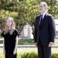La princesse Leonor, le roi Felipe VI - La famille royale d'Espagne lors d'une minute de silence en hommage aux victimes du coronavirus (COVID-19) à Madrid le 27 mai 2020.