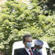 Le roi Felipe d'Espagne et la reine Letizia assistent à un comité scientifique sur l'impact de la pandémie de coronavirus (COVID-19) à l'institut royal Elcano à Madrid le 25 mai 2020.