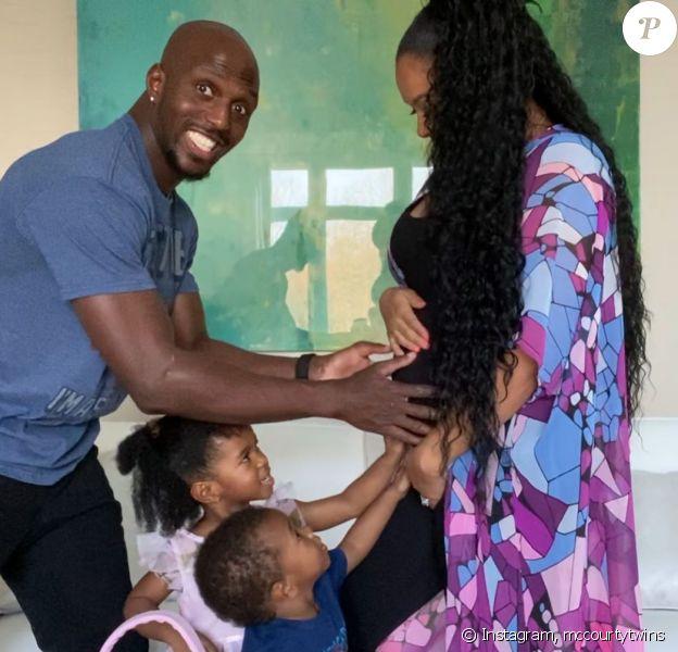 Devin McCourty avait célébré la fête des Mères le 10 mai 2020 en publiant une photo de sa maman enceinte de leur troisième enfant.