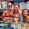 Laeticia et Johnny Hallyday avec leurs filles Jade et Joy lors de vacances sur l'île de Saint-Barthélemy en août 2017.