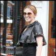 Kylie Minogue à la sortie de son domicile à Londres, a opté pour un look rock'n'roll et on adore