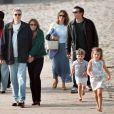 Elizabeth Hurley et son ex-mari Steve Bing à Santa Monica. Le 28 décembre 2000.