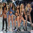 Martha Hunt, Lais Ribeiro, Josephine Skriver, Sara Sampaio, Stella Maxwell et Romee Strijd lors du défilé Victoria's Secret à New York, le 8 novembre 2018.