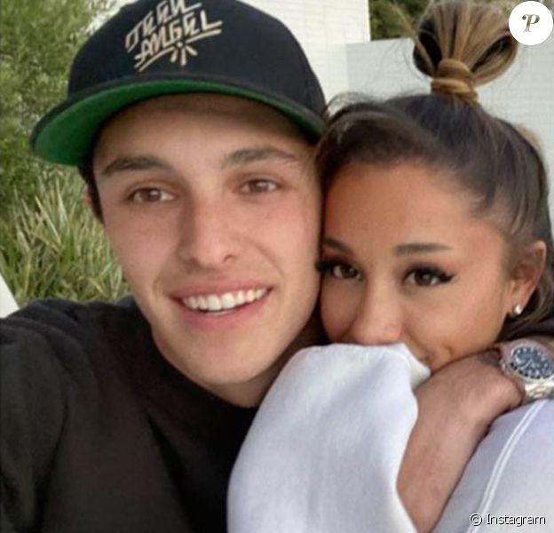 Ariana Grande et son nouveau petit ami, Dalton Gomez, sur Instagram, le 26 juin 2020.