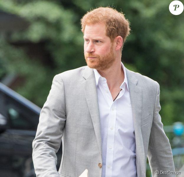 """Le prince Harry, duc de Sussex, annonce la création de """"Travalyst"""", un partenariat entre les sociétés Booking.com, SkyScanner, CTrip, TripAdvisor et Visa visant à encourager les pratiques de voyages durables dans l'ensemble du secteur. Amsterdam, le 3 septembre 2019."""