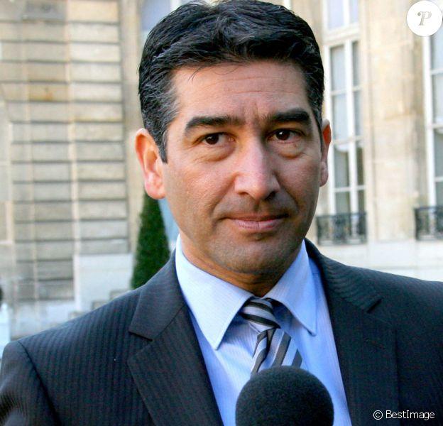 """Karim Zeribi lors du discours de présentation de la politique en faveur des quartiers """"Espoirts banlieue"""" au Palais de l'Elysée le 8 février 2008."""