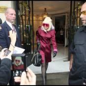 Lady Gaga : Une pink lady à Paris ! Elle a cassé la baraque chez Nikos !