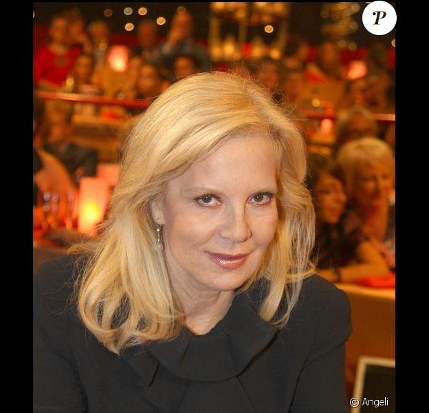 """Sylvie Vartan à l'enregistrement de l'émission """"Le Plus Grand Cabaret du monde"""" (8 septembre 2009)"""