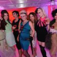 Vicky Butterfly, Mimi Montmartre, Cherry Shahewell et leurs copines, lors de la soirée organisée au Kube Hotel de Paris, le 9 septembre 2009 !