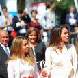 La reine Rania de Jordanie et sa fille la princesse Iman assistent à l'université d'été du MEDEF à Jouy-en-Josas le 26 août 2015.