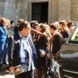 Alastair Cuddeford (ex-mari) et sa fille Allegra de Clermont-Tonnerre (fille d'Hermine de Clermont-Tonnerre) - Sorties - Obsèques de Hermine de Clermont-Tonnerre en l'église Saint-Pierre de Montmartre à Paris le 9 juillet 2020.