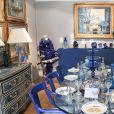 Exclusif - La collection bleue de Michou sera vendue aux enchères à l'hôtel Artcurial de Paris, France, le 5 juillet 2020. Le 10 juillet 2020, Artcurial mettra aux enchères la collection du célèbre directeur du cabaret. © Coadic Guirec/Bestimage