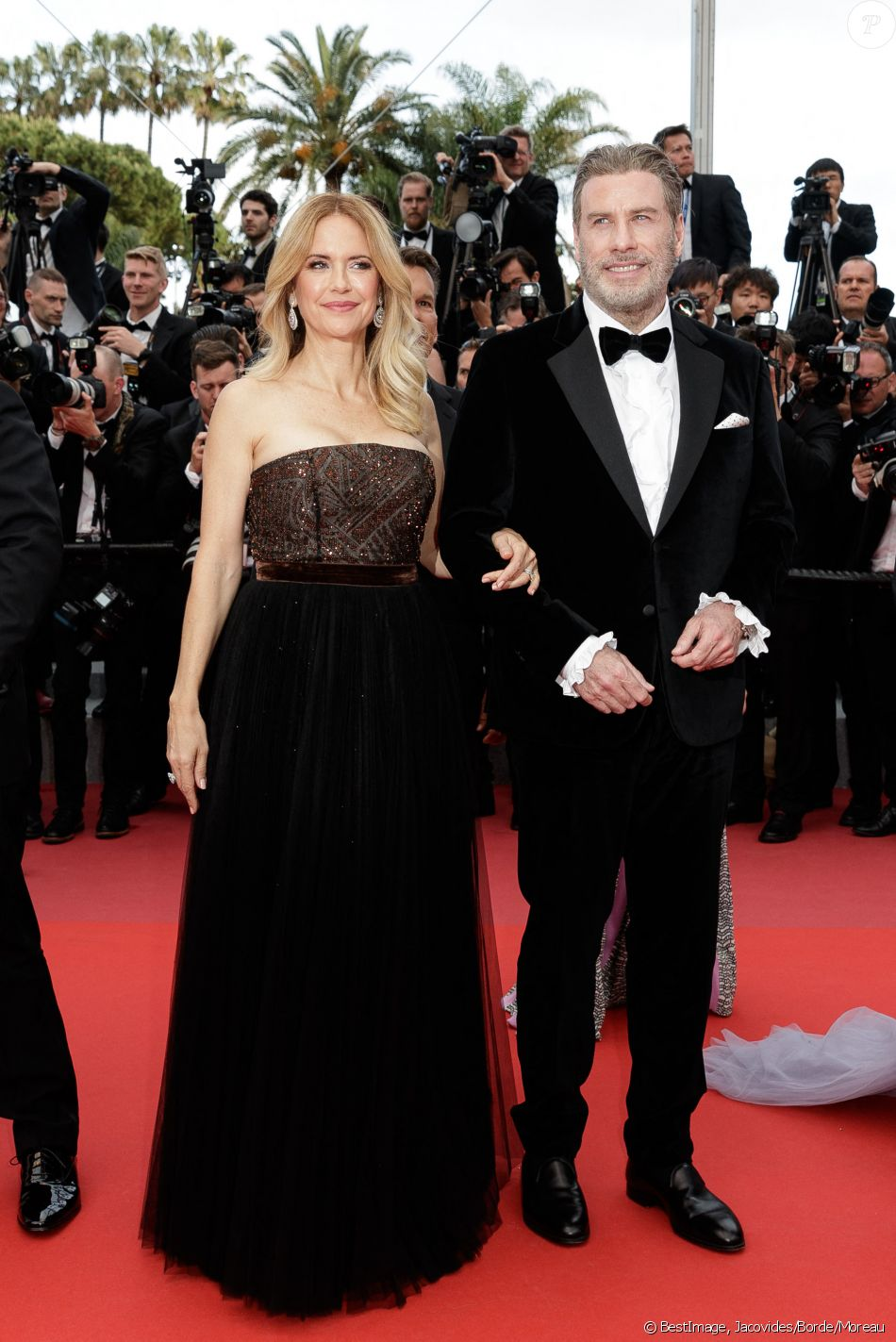 "John Travolta et sa femme Kelly Preston - Montée des marches du film ""'Solo: A Star Wars Story' "" lors du 71e Festival International du Film de Cannes le 15 mai 2018. © Jacovides/Borde/Moreau/Bestimage"