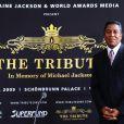 Jermaine Jackson donne une conférence de presse tellement émouvante à Londres ! 09/09/09