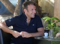 Emmanuel Macron en vacances : élégant en look décontracté, pour un bain de foule