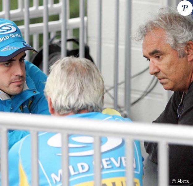 Flavio Briatore, ici avec Fernando Alonso et Pat Symonds, a quitté Renault F1 Team suite au scandale de Singapour