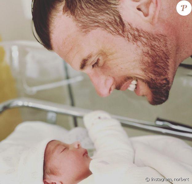Norbert Tarayre papa pour la quatrième fois, il dévoile une photo de son fils