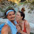 Laury Thilleman a partagé des photos de ses vacances en France avec son chéri Juan Arbelaez, sur Instagram. Août 2020.