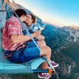 Laury Thilleman et son mari Juan Arbelaez, dans le vide aux Gorges du Verdon. Instagram, août 2020.