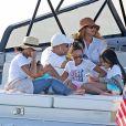 Exclusif - Beyoncé, Jay-Z et leurs trois enfants Blue Ivy, Sir et Rumi, font une sortie en mer sur un luxueux bateau avec Jack Dorsey, le PDG de Twitter, dans les Hamptons.