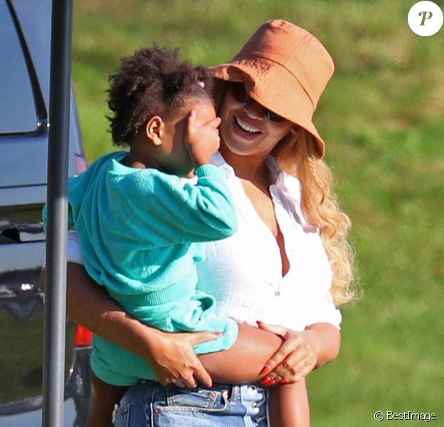 Exclusif - Beyoncé et sa fille Rumi en vacances aux Hamptons, près de New York.