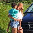 Exclusif - Beyoncé, Jay-Z et leurs trois enfants Blue Ivy, Sir et Rumi, font une sortie en mer sur un luxueux bateau avec Jack Dorsey, le PDG de Twitter, dans les Hamptons, le 24 août 2020.