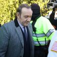 Kevin Spacey quitte le palais de justice à Nantucket, dans le Massachusetts, où l'acteur avait rendez-vous avec un juge qui devait lui signifier son inculpation pour l'agression sexuelle d'un jeune homme de 18 ans en 2016, la première matérialisation pénale des dizaines d'accusations qui pèsent sur lui. Le comédien ne s'est pas exprimé durant l'audience, mais selon plusieurs médias locaux, il a plaidé non coupable, conformément à ce qu'il avait annoncé.