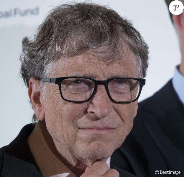 Bill Gates lors de la conférence de financement du Fonds mondial de lutte contre le sida, la tuberculose et le paludisme, à l'hôtel de ville de Lyon