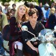 """Blake Lively et Penn Badgley sur le tournage de """"Gossip Girl"""", le 28 août 2012."""