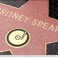 Britney se cachait à proximité de son étoile sur le Hollywood Walk of Fame...!