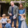 """Kate Middleton, le prince William et leurs enfants, George, Charlotte et Louis, assistent à une projection privée du film """"A Life On Our Planet"""", du journaliste et scientifique David Attenborough. Photos dévoilées par le palais de Kensington sur Instagram, 2020."""