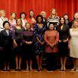 Carla Bruni entourée des First Ladies à Pittsburgh