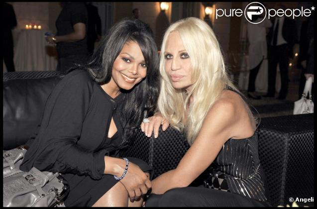 Janet Jackson et sa copine Donatella Versace à la soirée Versace à Milan, le 25/09/09, à l'occasion de la Fashion Week.