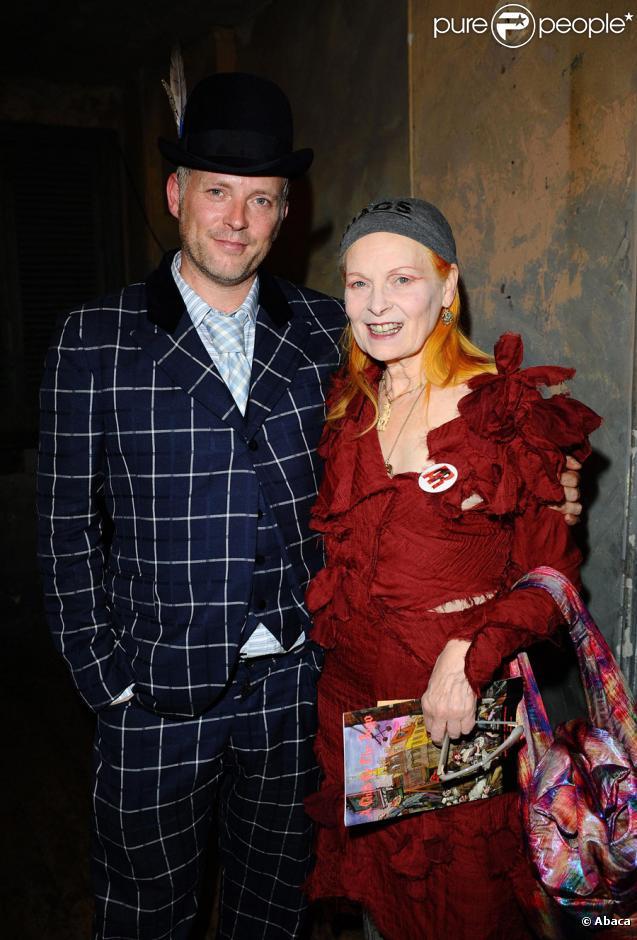 Vivienne Westwood et son fils Joe Corre au défilé Child of the Jago à Londres, le 23 septembre 2009